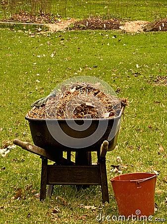 Wheelbarrel and bucket