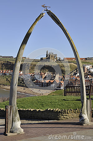 Free Whitby S Whale Bone Arch Stock Photography - 25226972