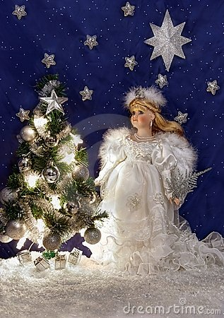 Free White Angel And Christmas Tree Royalty Free Stock Photography - 17403777