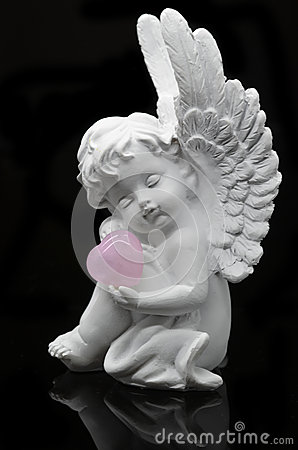 Free White Angel Holding Rose Quartz Heart Stock Image - 61255701