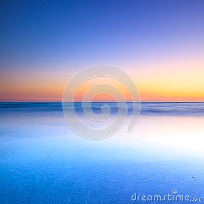 Free White Beach And Blue Ocean On Twilight Sunset Stock Photography - 29711072