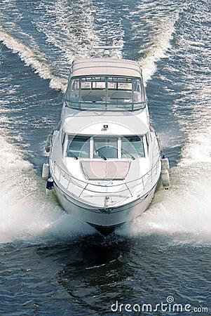 Free White Boat Royalty Free Stock Photo - 10511045
