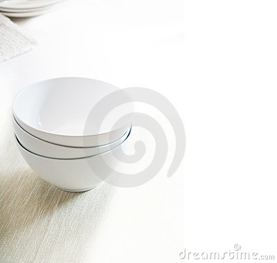 Free White Bowls Royalty Free Stock Photography - 15057707