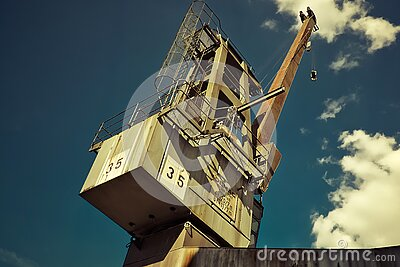 White And Brown Metal Crane Free Public Domain Cc0 Image