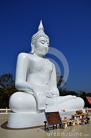 Free White Buddha At Kanchanaburi Thailand Royalty Free Stock Photography - 39131247