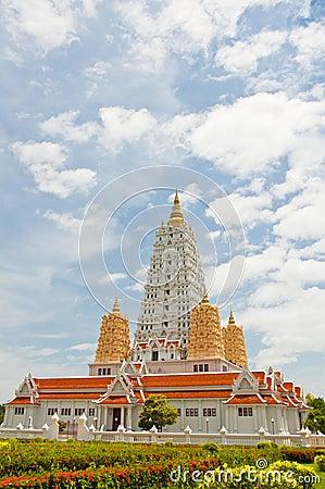 White buddhagaya pagoda