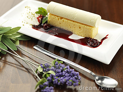 White cake with ice cream