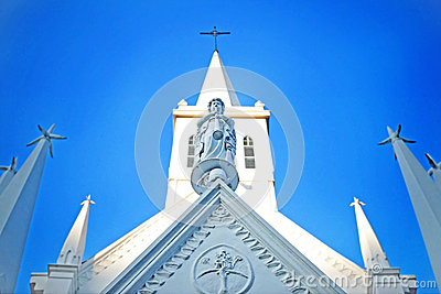 White Cathedral At Daytime Free Public Domain Cc0 Image