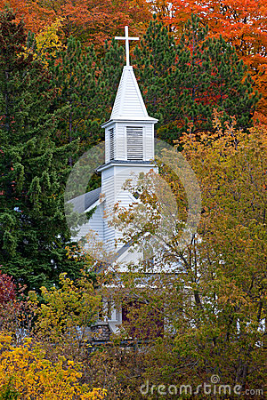 Free White Church Steeple In Autumn - Michigan USA Royalty Free Stock Photography - 39404147