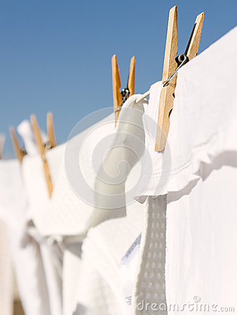 Free White Clothes Hung Out To Dry In The Bright Warm Sun Royalty Free Stock Photography - 91163007