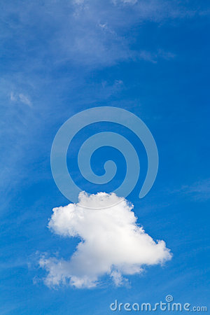Free White Clouds In Blue Sky In Summer Day Royalty Free Stock Images - 33151889
