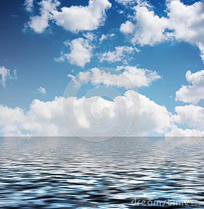 Free White Clouds In The Blue Sky Reflected In The Water Royalty Free Stock Images - 31612169