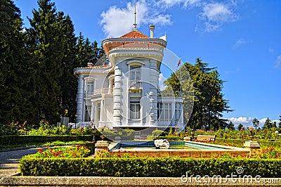 White Concrete Building Near Garden Free Public Domain Cc0 Image