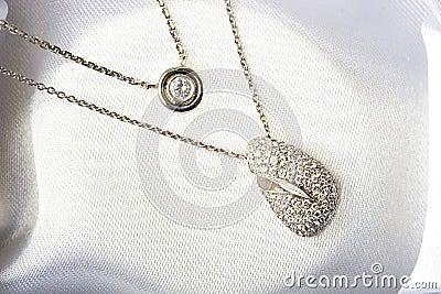 White gold diamond jewelry necklace pendant