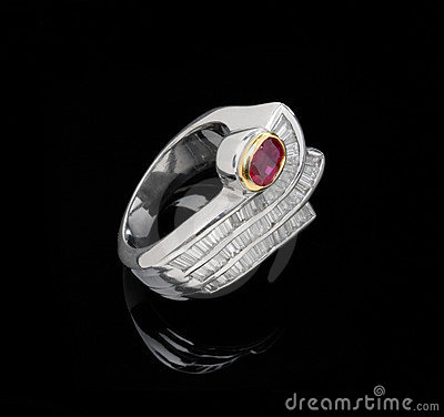 Free White Gold Ruby Ring Royalty Free Stock Photos - 12095858