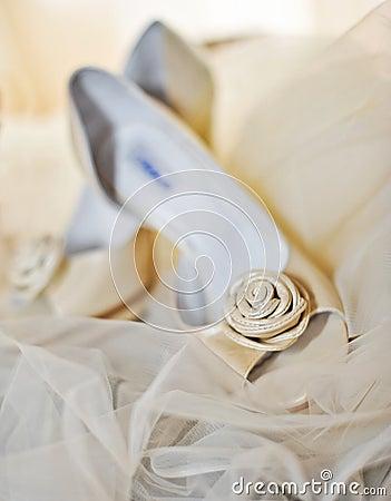 White high heels pump shoes