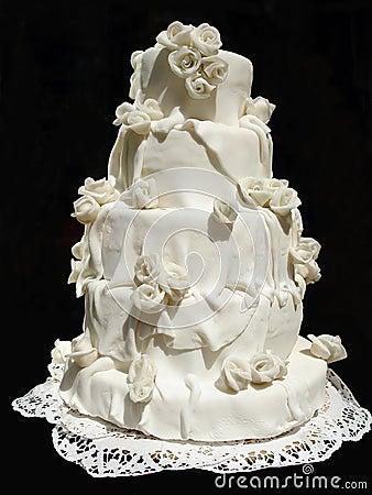 White iced wedding cake