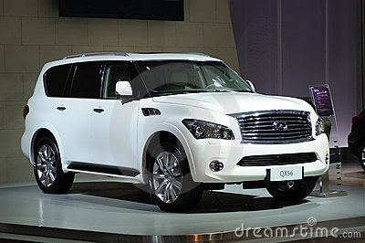 White Infiniti  qx56 suv Editorial Stock Photo
