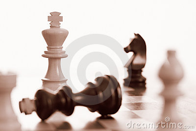 White king wins chess game
