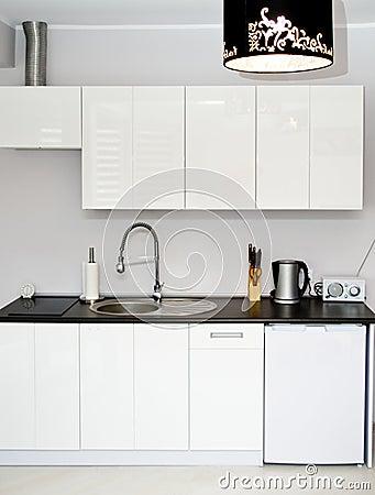 Free White Kitchen Royalty Free Stock Photo - 29894815
