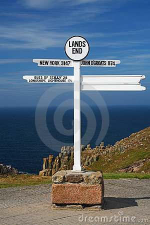 Free White Land S End Directional Sign Over Sea Royalty Free Stock Images - 5212979