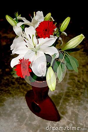 Free White Lily Bouquet Stock Photos - 1988413
