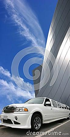 Free White Limousine Royalty Free Stock Photos - 3259368