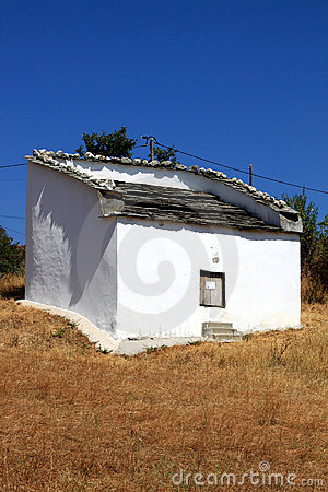 white-pombais-traditional-north-portugal-17052922.jpg