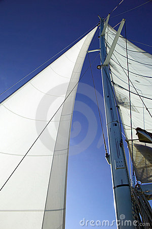 Free White Sails, Blue Sky Royalty Free Stock Photos - 974608