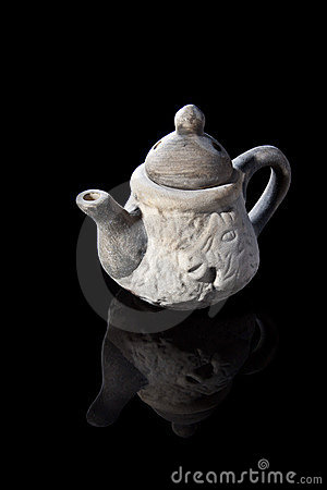 The white teapot