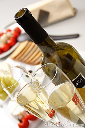 White wine with appetiser