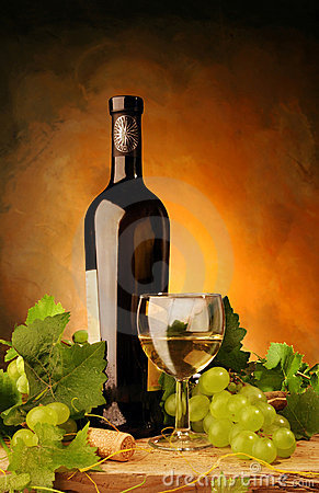 White wine with fresh grapes
