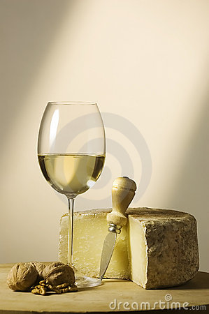 Free White Wine Glass And Cheese Stock Images - 5353354