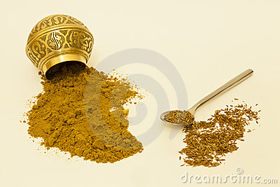 Whole And Ground Cumin Seeds