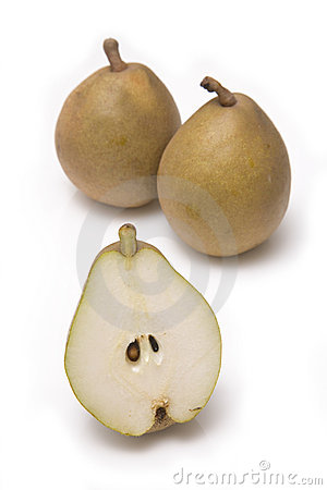 Whole and sliced pears