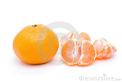 Whole tangerine and some segments