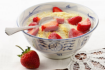 Whole wheat cereal with strawberries