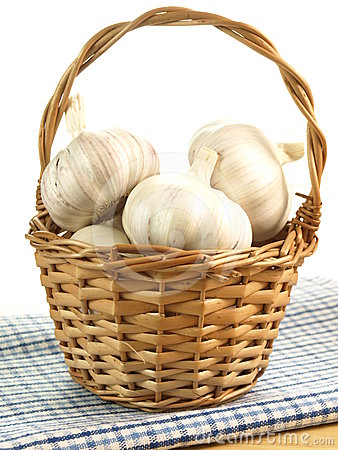 Wicker with garlic