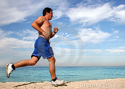 ćwiczyć na plaży