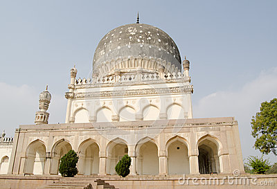 Grobowiec Hayat Bakshi begum