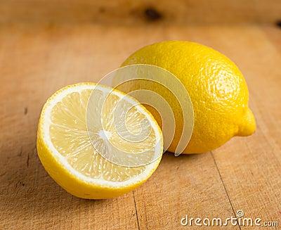 Świeże cytryny