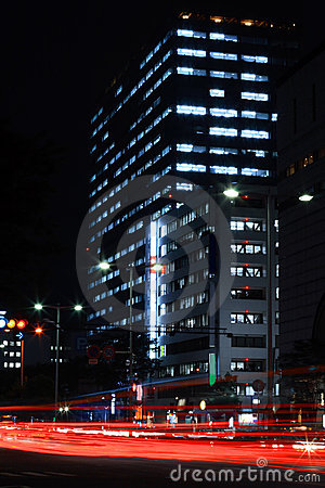 Wielkie miasto w nocy