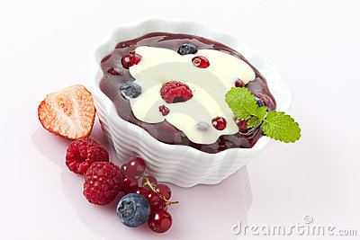 Wild berry compote with vanilla topping