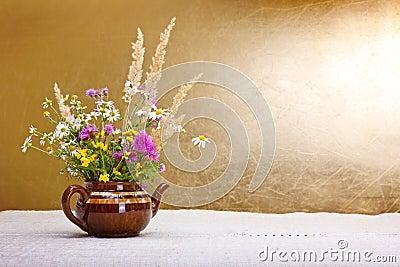 Wild bloemenstilleven