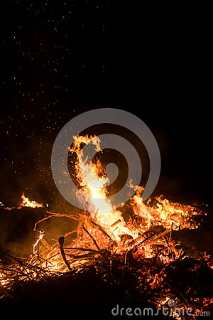 Free Wildfire Burning On Grass And Wood At Night. Stock Image - 104108711