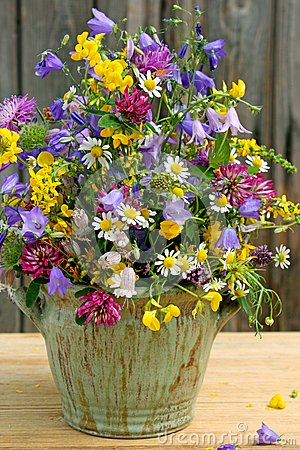 Wildflower arrangement
