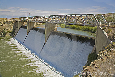 Willwood irrigation diversion dam