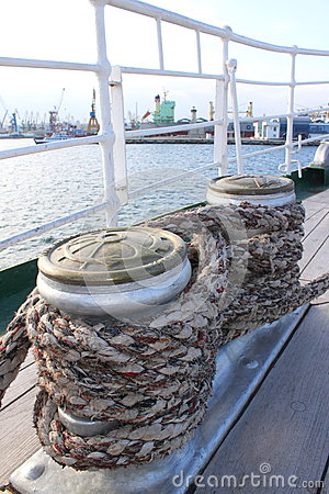 Free Winches Wrapped With Rope Stock Photos - 35061453