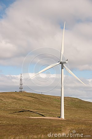 Wind turbine and communications transmitter