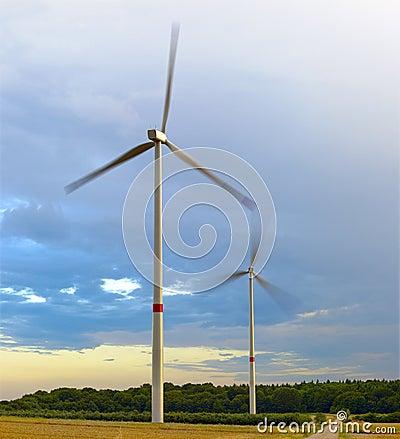 Free Wind Turbines Royalty Free Stock Photo - 25813895